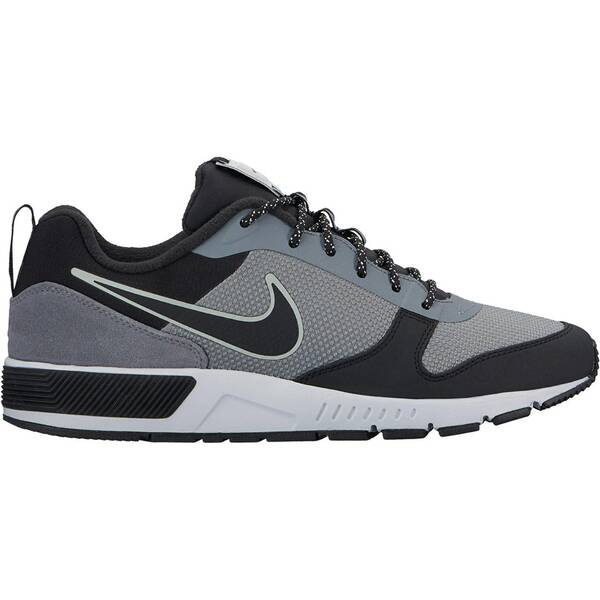 NIKE Herren Sneakers Nightgazer Trail